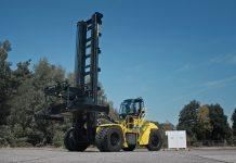 Hyster presenta nuove soluzioni con tecnologia agli ioni di litio