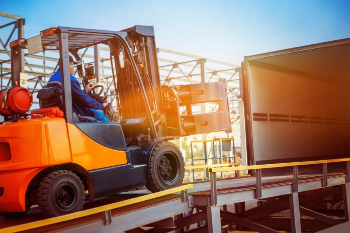 Le nuove normative sui requisiti di sicurezza e verifiche dei carrelli industriali