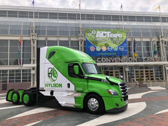 Camion elettrici: il propulsore che rivoluzionerà la logistica creato dal più giovane miliardario self-made d'America