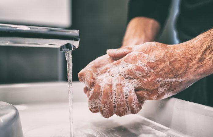 Cleaning: solo 1 persona su 5 si lava le mani per proteggere gli altri dal Covid-19